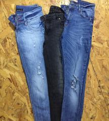 Три пара фармерки (Ber/Stra/TW)