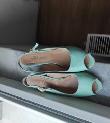 Sandali mint boja
