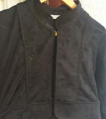 црно болеро/палтенце со цвеќиња🌹