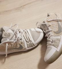 Nike 37.5 zacuvani za 500