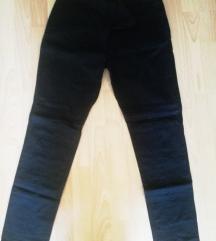 Женски панталони Terranova -нови L величина