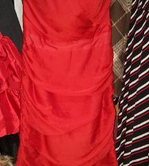 Crven Fustan H&M