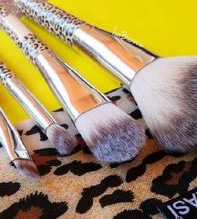 4 Четкички за шминка + гратис торбичка