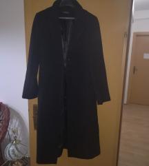 Crn ubav strukiran kaput