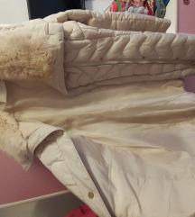 Preubava zimska krem bela jakna