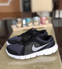 Nike fleksi patiki br 35,5