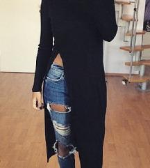 Црна блуза со висок шлиц