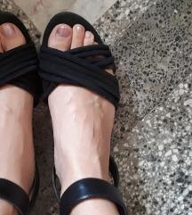 Crni Bershka sandali