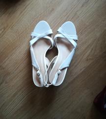 Beli novi sandali 38/39