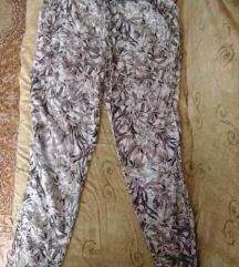 letni sareni pantaloni ↓ 299