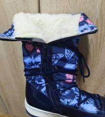 Високи зимски чизми