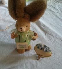 Golemo veligdensko zajko i keramicko jajce