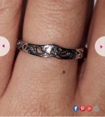 Nov sebren prsten