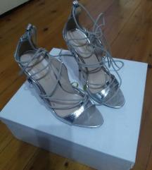 Sandala srebrena