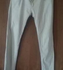 Бели растегливи фармерки
