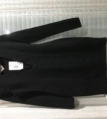 crn eleganten fustan so dlabolo dekolte