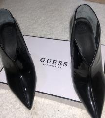 Guess stikli