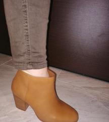 Нови кожни чизми