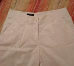 Beli pantaloni
