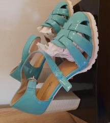 Novi tirkizni sandalki