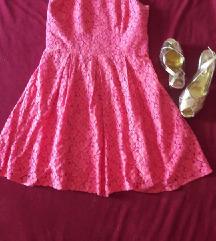 *300*Prekrasen fustan