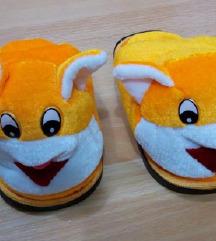Novi papuci podarok 16 cm stopalo