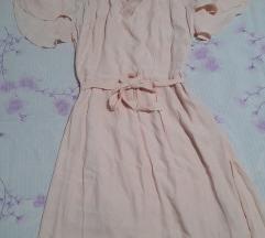Nezno roze fustance