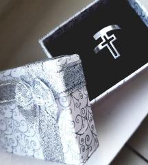 Srebren prsten moze zamena vidi opis