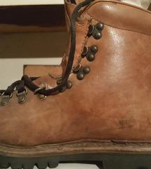 Планинарски чевли