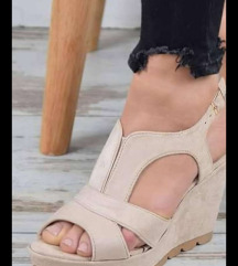 Novi sandali br 38