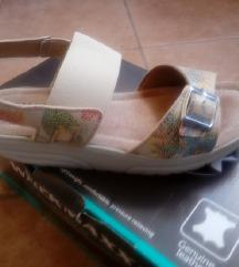 Walkmaxx novi sandali