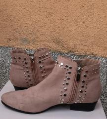 Поткачени чизмички