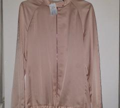 Свиленкаста блузичка со патент
