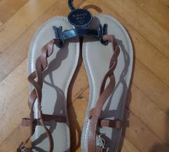 Accessorize sandali
