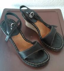 HUSH PUPPIES crni sandali
