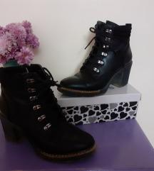 Црни чизмички по екстра цена