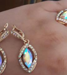 Nov pozlaten nakit so swarovski kristali