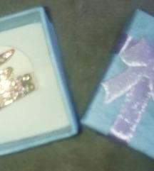 Nov pozlaten prsten