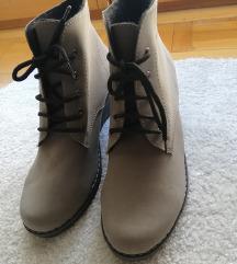 Нови кафени чизми