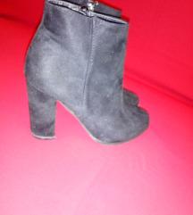 Црни чизми