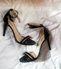 НОВИ Црни лаковани сандали