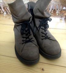 Нови чевли