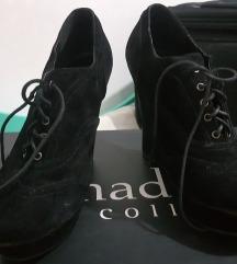 Црни кондурки на полна пета