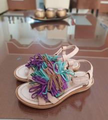 Zara kozni sandali br.25