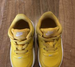 Детски патики Nike жолти