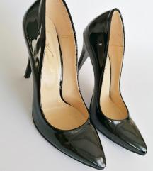 Лакирани чевли 40
