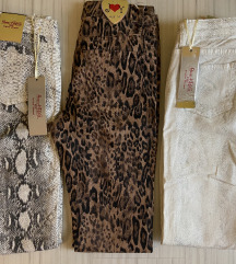 Sareni pantaloni so animal print
