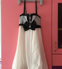 Свечен краток црно бел фустан