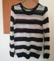 H&M - црно бело џемперче