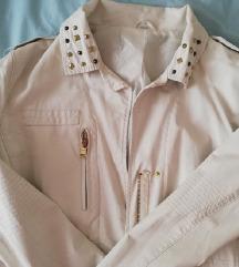 Сочувана бела кожна јакна